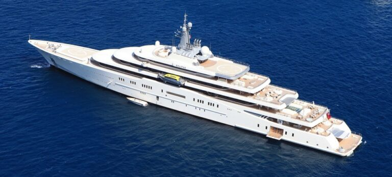 Яхта Абрамовича «Eclipse» три года лидировала в битве миллиардеров